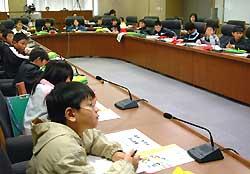 県庁で防災対策を学ぶ 岡谷市湊小4年生